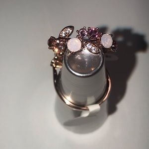Jewelry - 🌸Elegant Floral Ring🌸